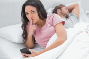 espionner le téléphone de sa femme