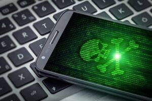 différence hacking et logiciel espion